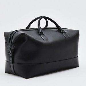 AG The Travis Overnight Leather Weekender Bag